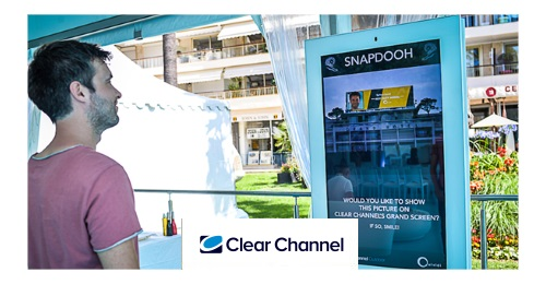 Clear Channel International - In Cannes, a smile gets you on top of the Croisette