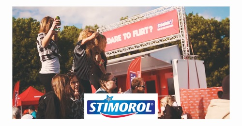 Stimorol Sweden - How to flirt with a screen? Try it with a smile!